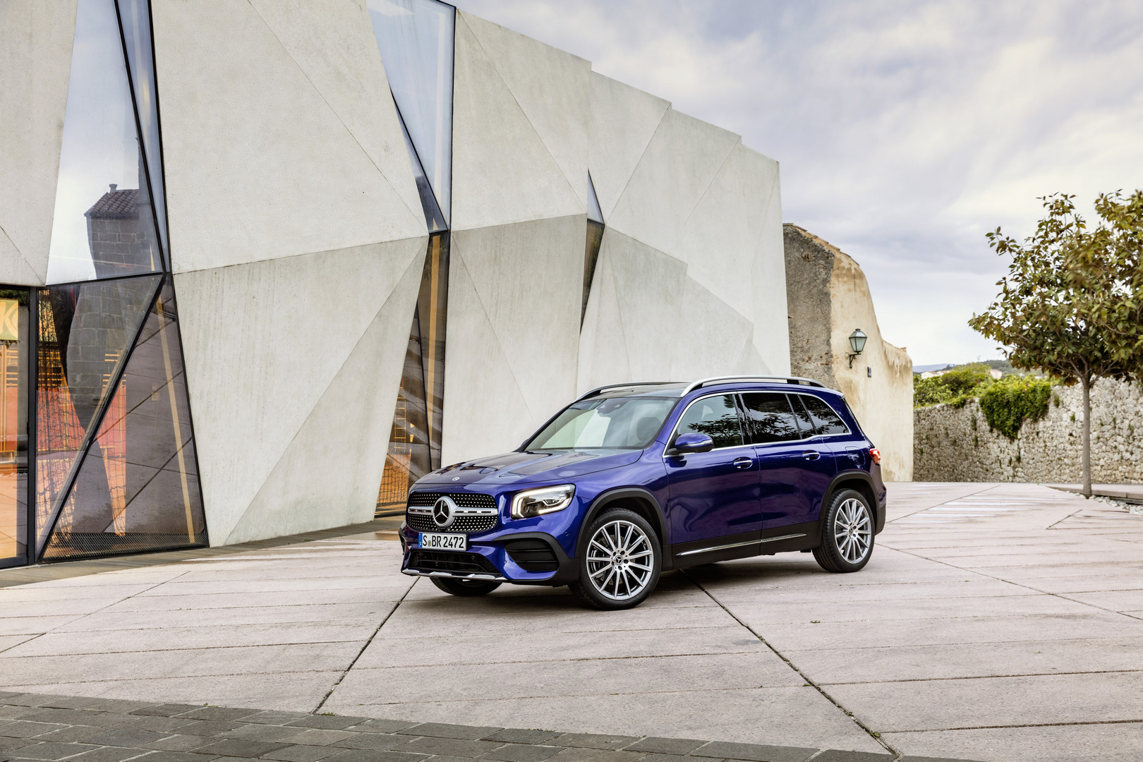 Blue Mercedes-Benz GLB Wallpaper