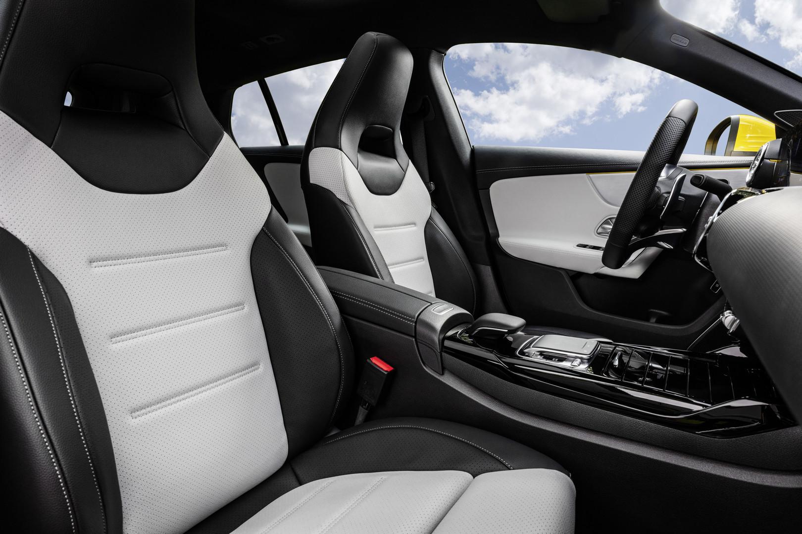 Mercedes-AMG CLA 35 Seats