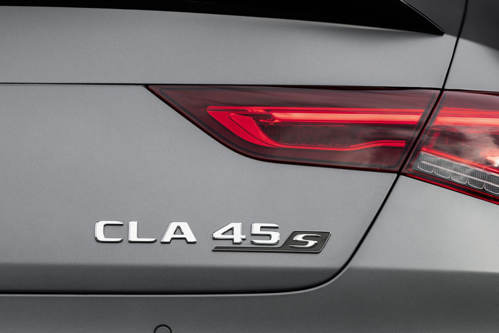 CLA 45 S AMG Badge