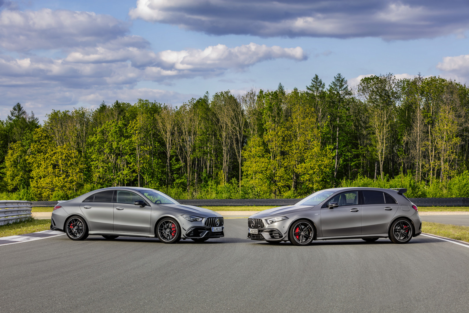 Mercedes-AMG A45 vs CLA 45