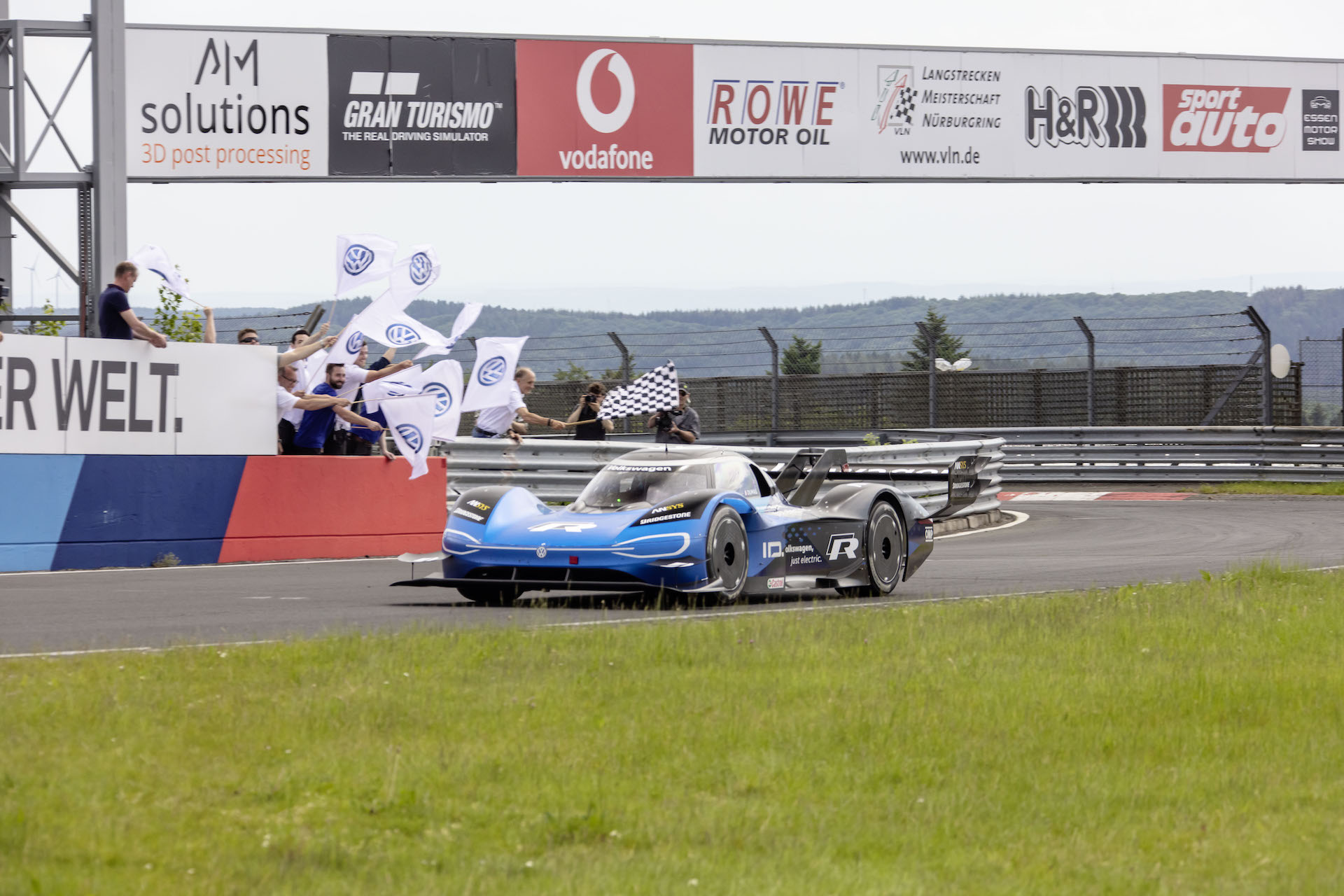 Volkswagen ID.R Sets New Electric Nurburgring Lap Record at 6:05.336!