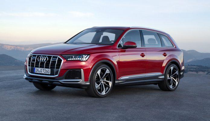 2020 Matador red Audi Q7