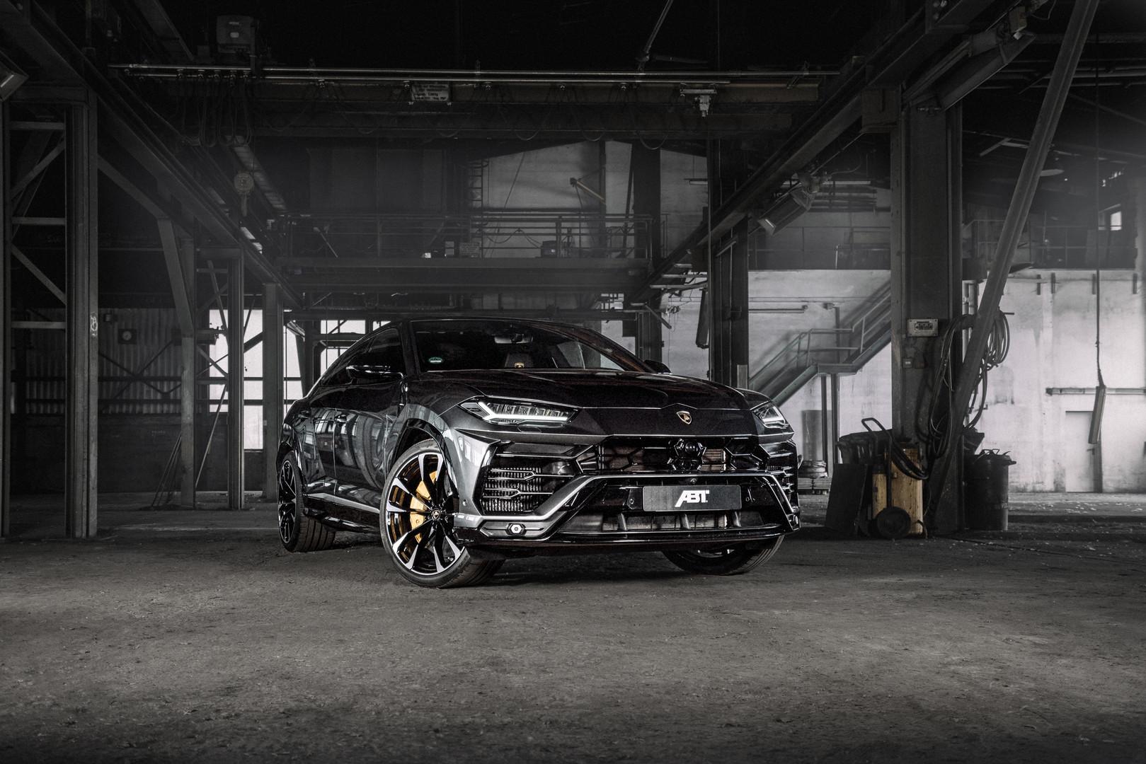 Grey Lamborghini Urus
