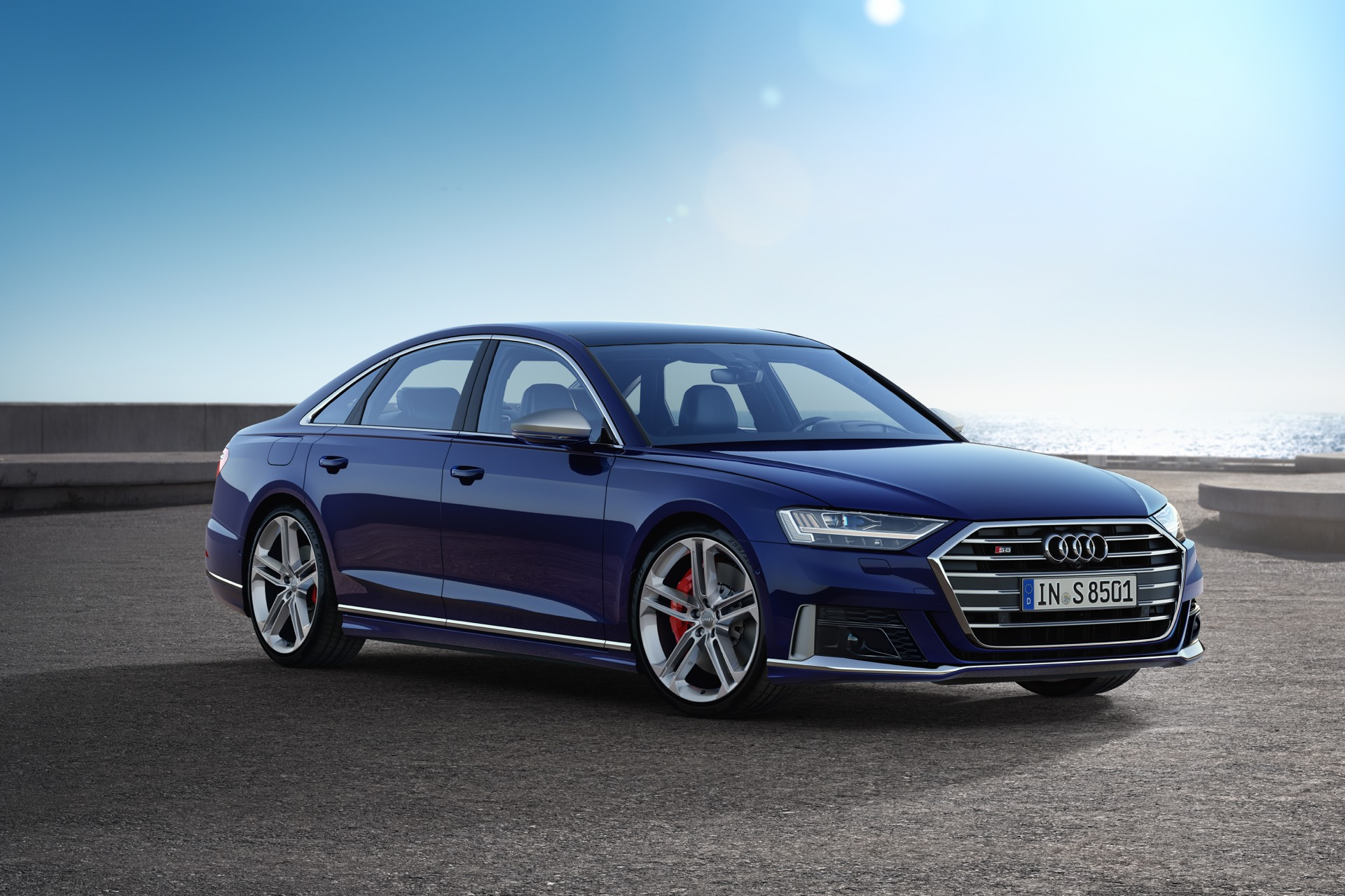 New Audi S8 Revealed with 571 hp V8
