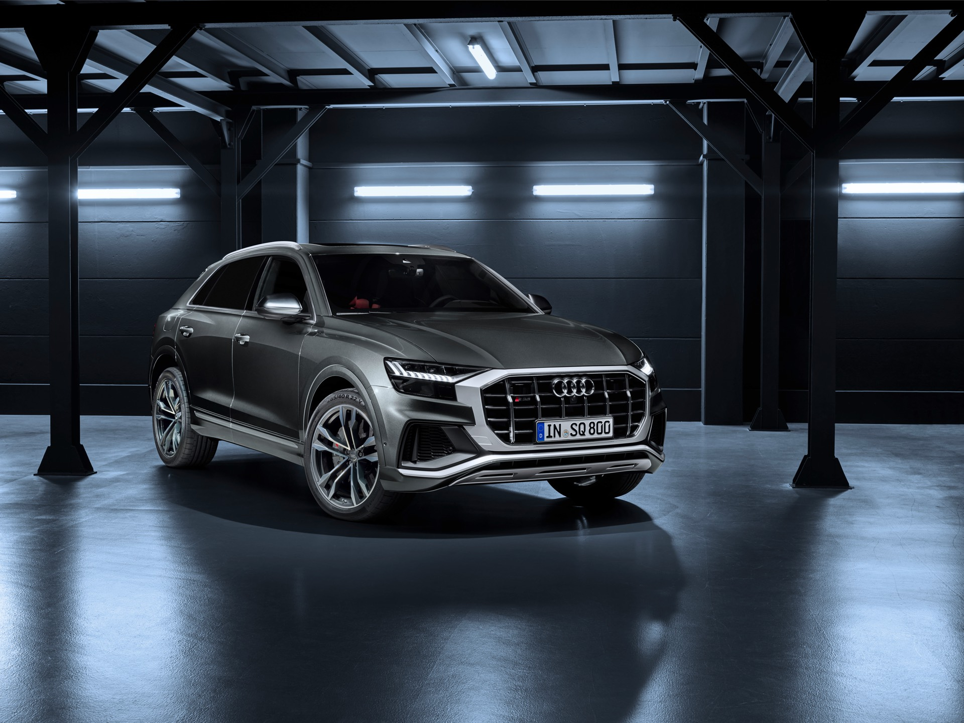 Audi SQ8 TDI Front Quarter