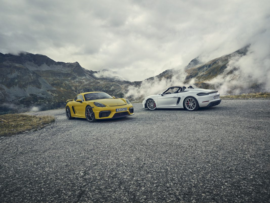 Cayman GT4 vs Boxster GT4