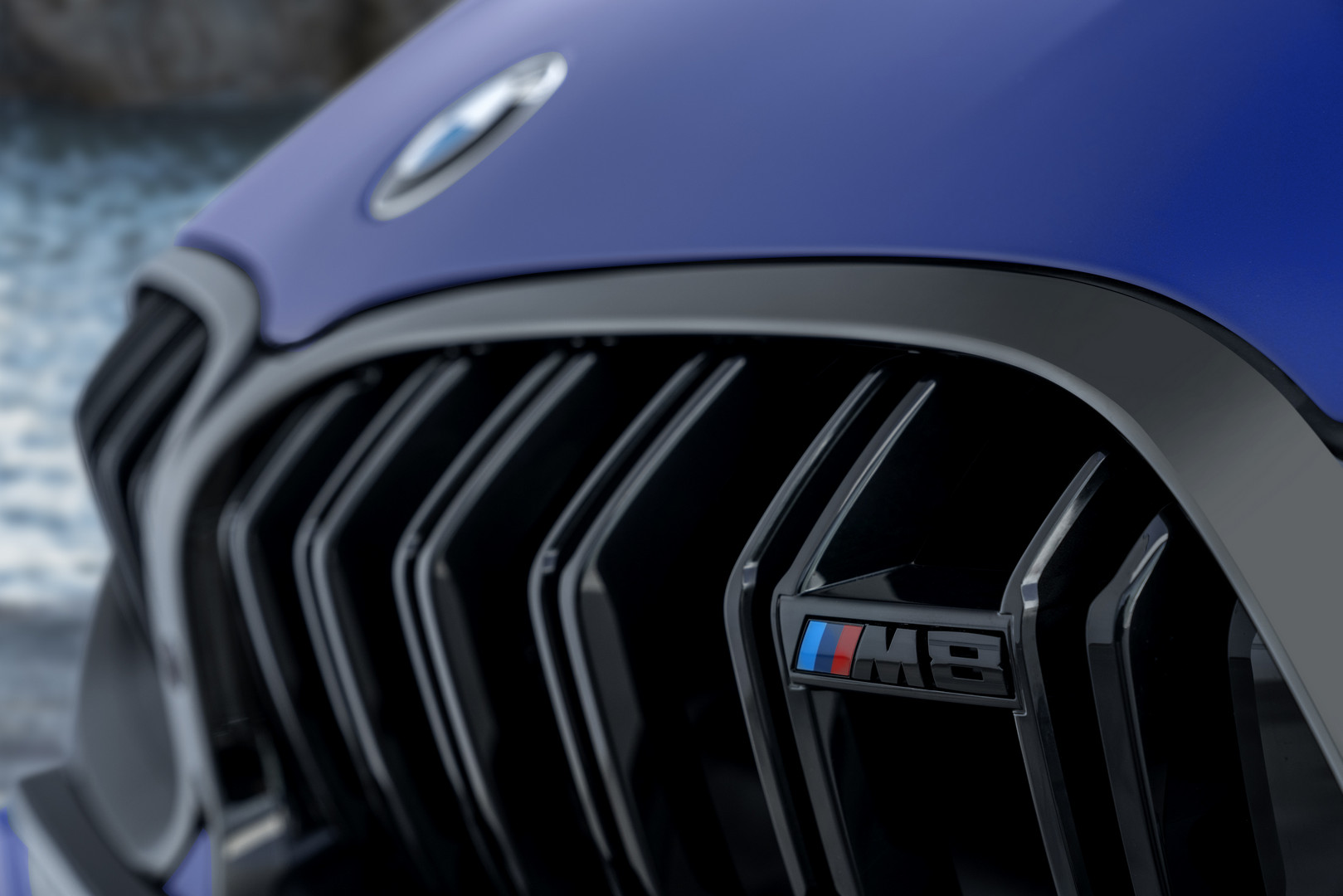 2020 BMW M8 Competition Black Kidney Grille