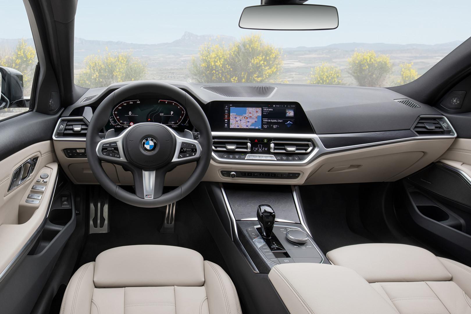 2020 BMW 3-Series Touring Interior