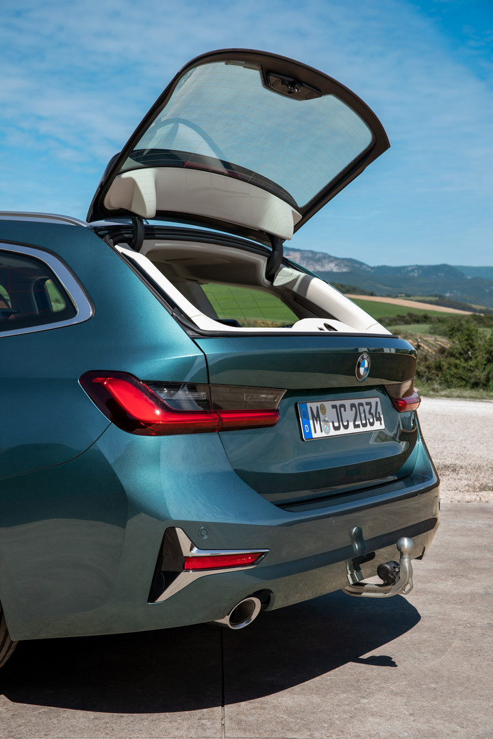 2020 BMW 3-Series Touring Trunk Lid Open