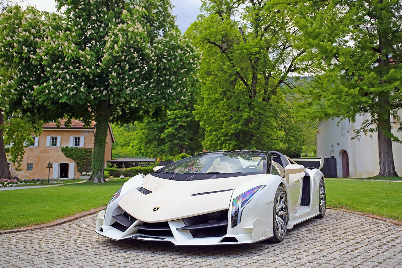 Cream Lamborghini Veneno Roadster