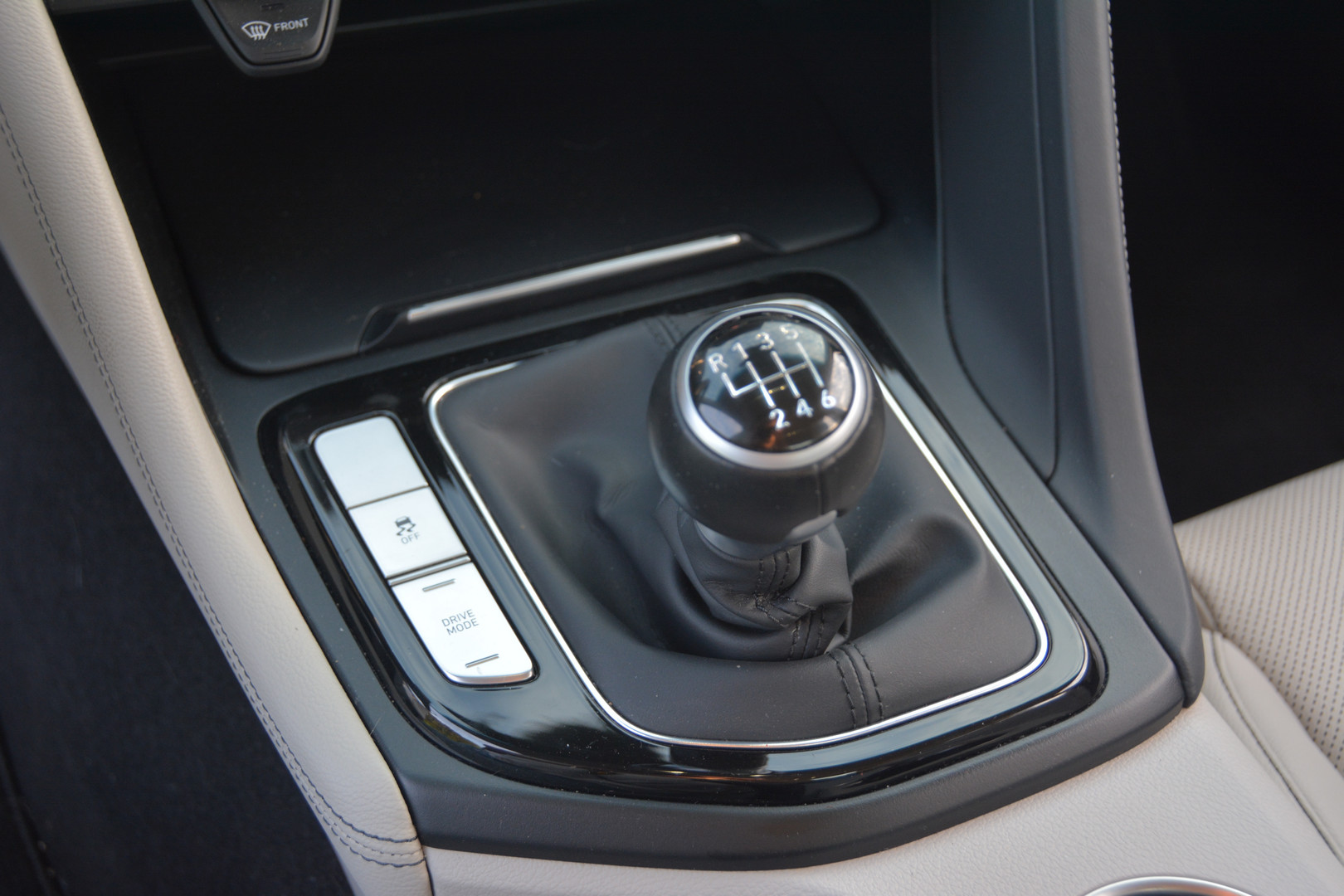 2019 Genesis G70 Manual Gear Shift