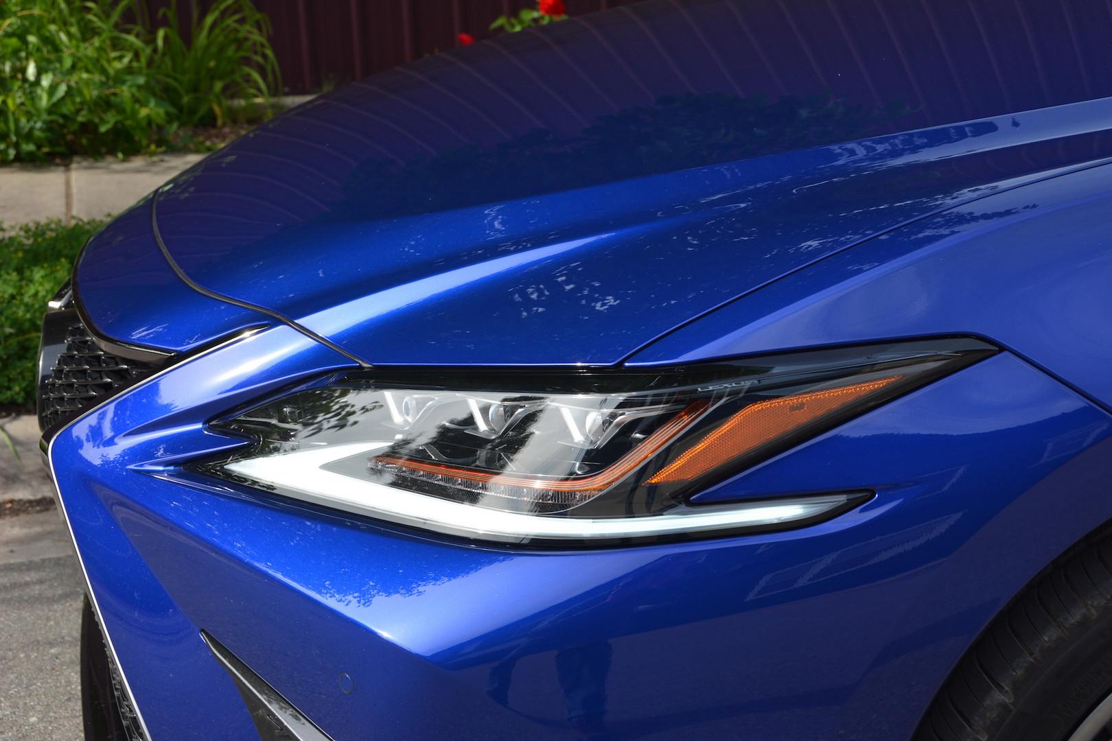 2019 Lexus ES 350 F Sport Headlights
