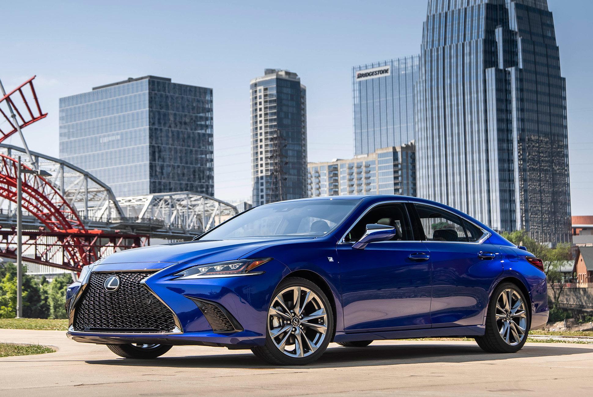 Is 350 F Sport >> 2019 Lexus Es 350 F Sport Review Gtspirit