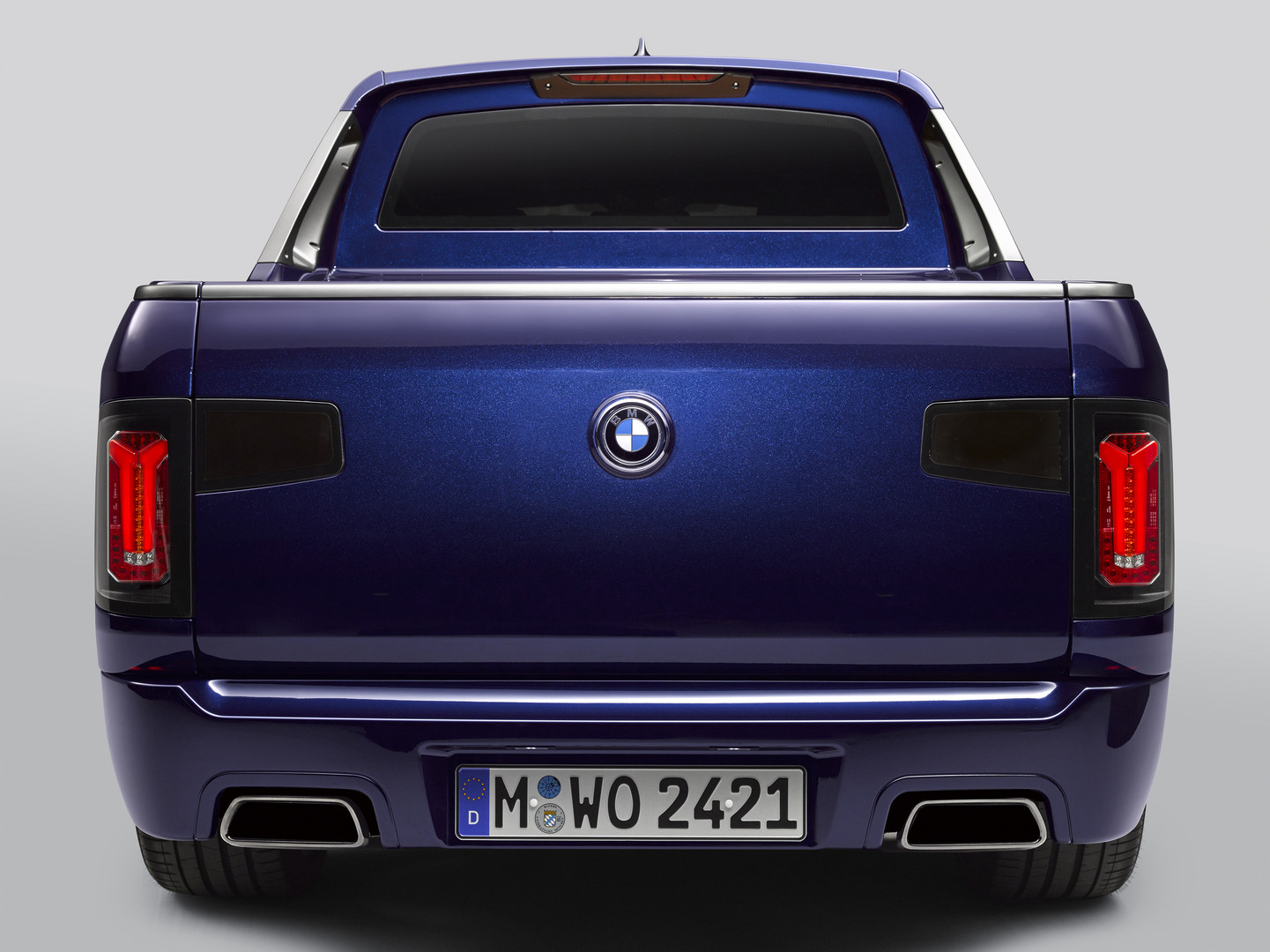 BMW X7 Pick-up Blue