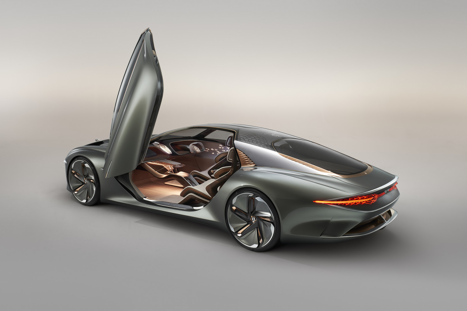 Bentley EXP 100 GT Door Up