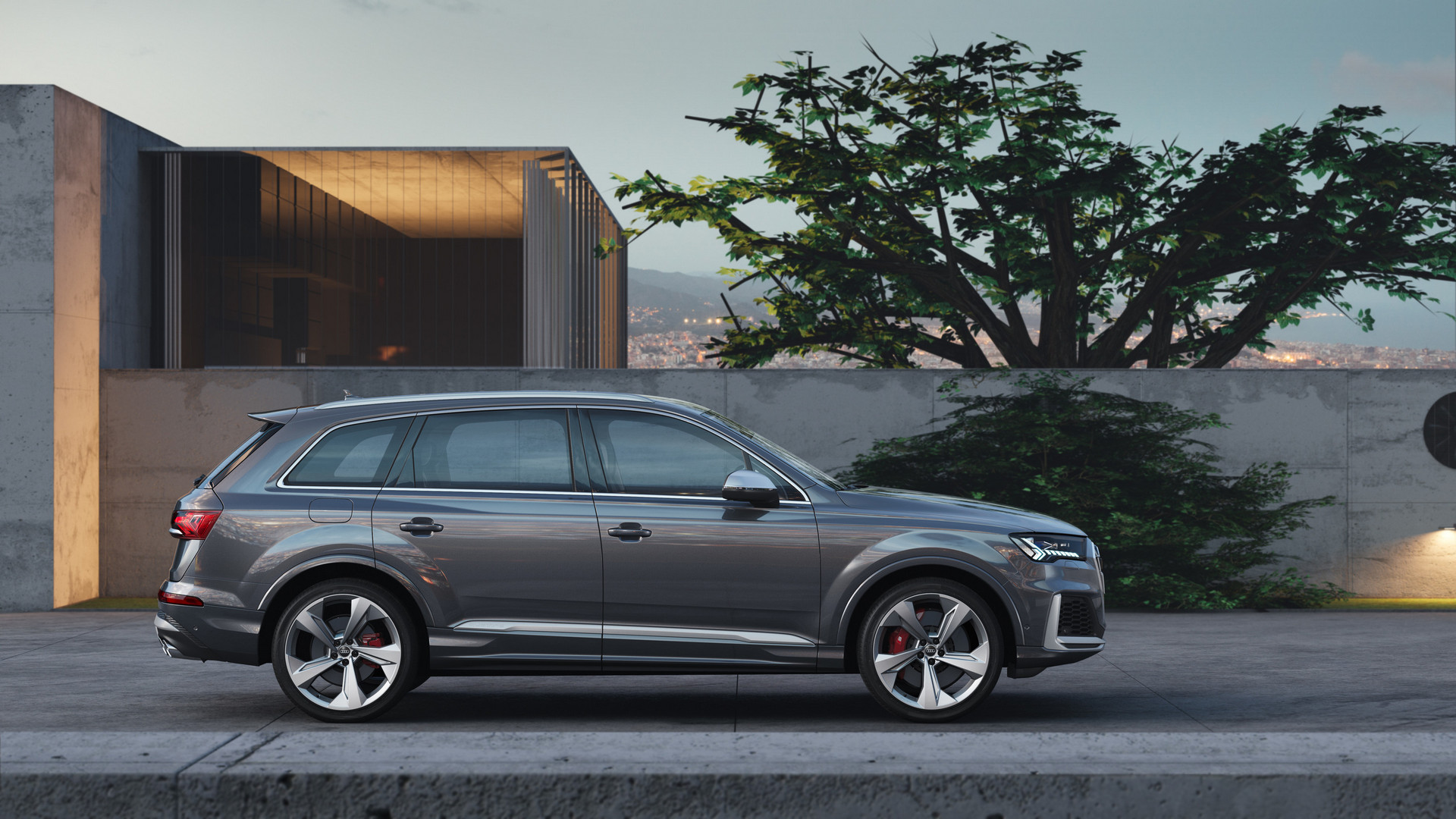 2020 Audi SQ7 TDI Side View