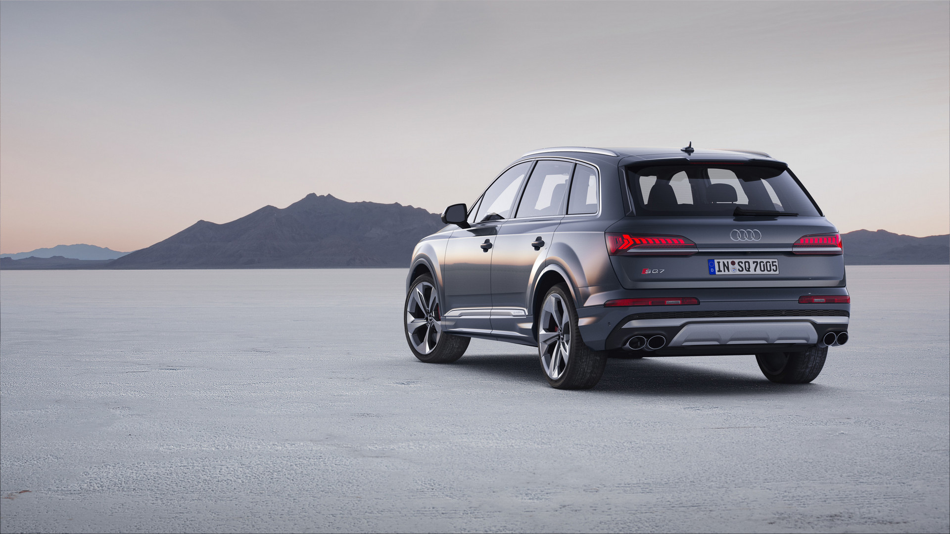 2020 Audi SQ7 TDI Rear Side View