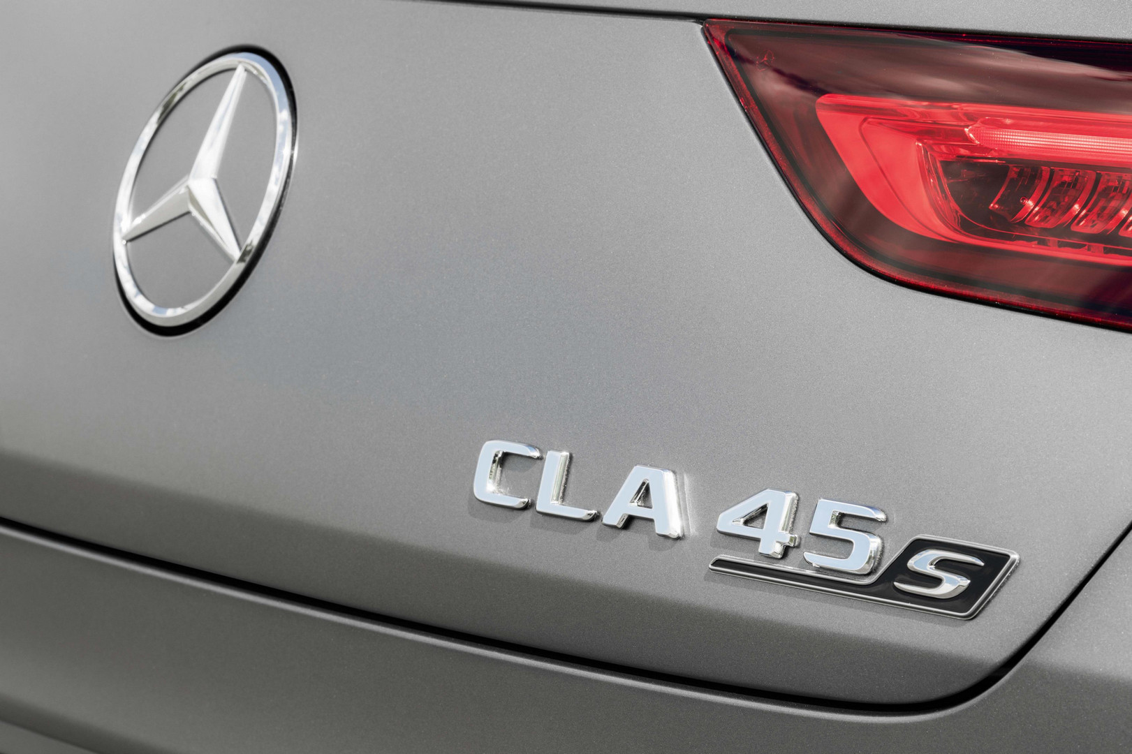 CLA 45 S AMG Badge