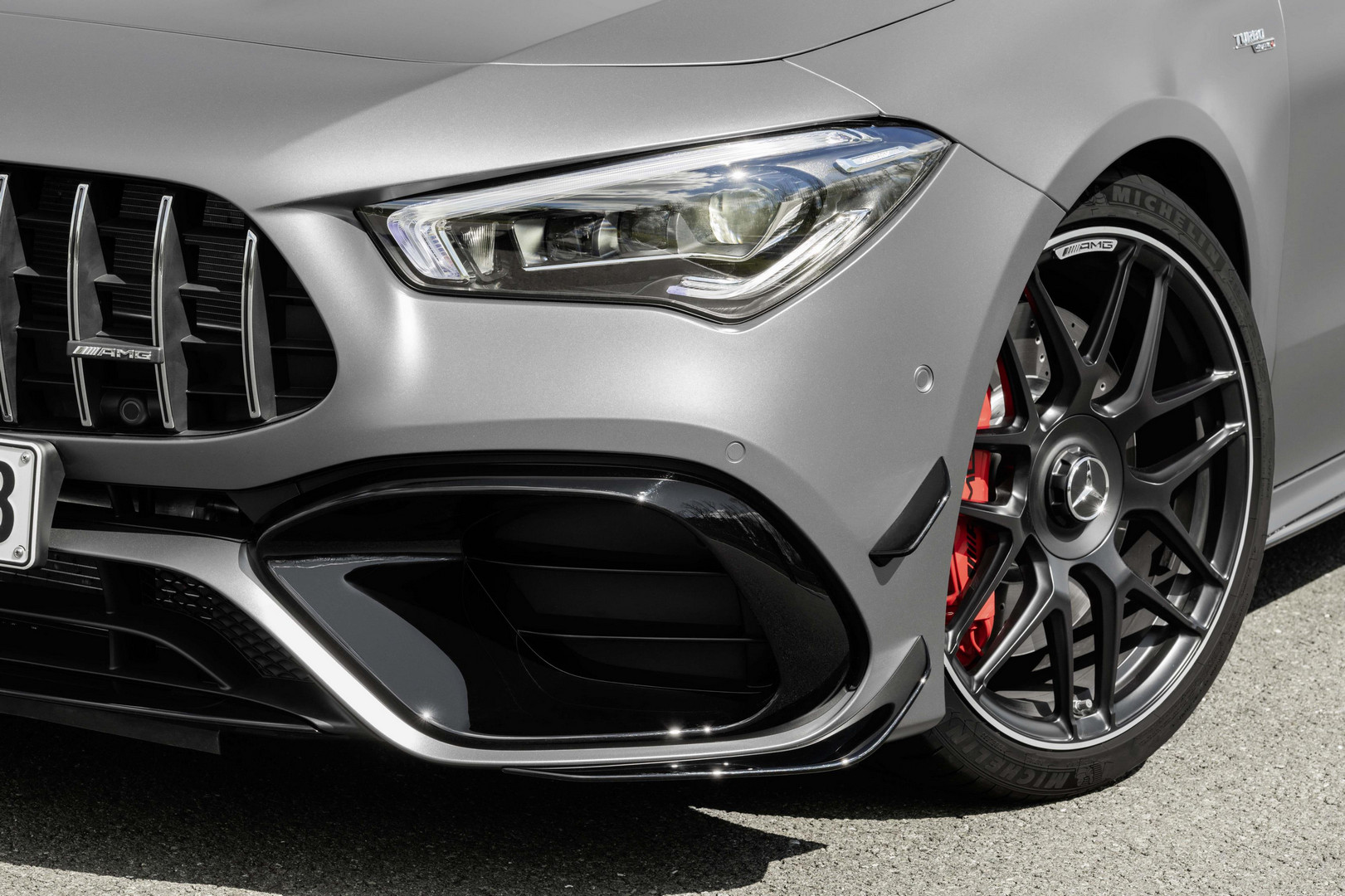 Mercedes-AMG CLA 45 S Shooting Brake Headlight