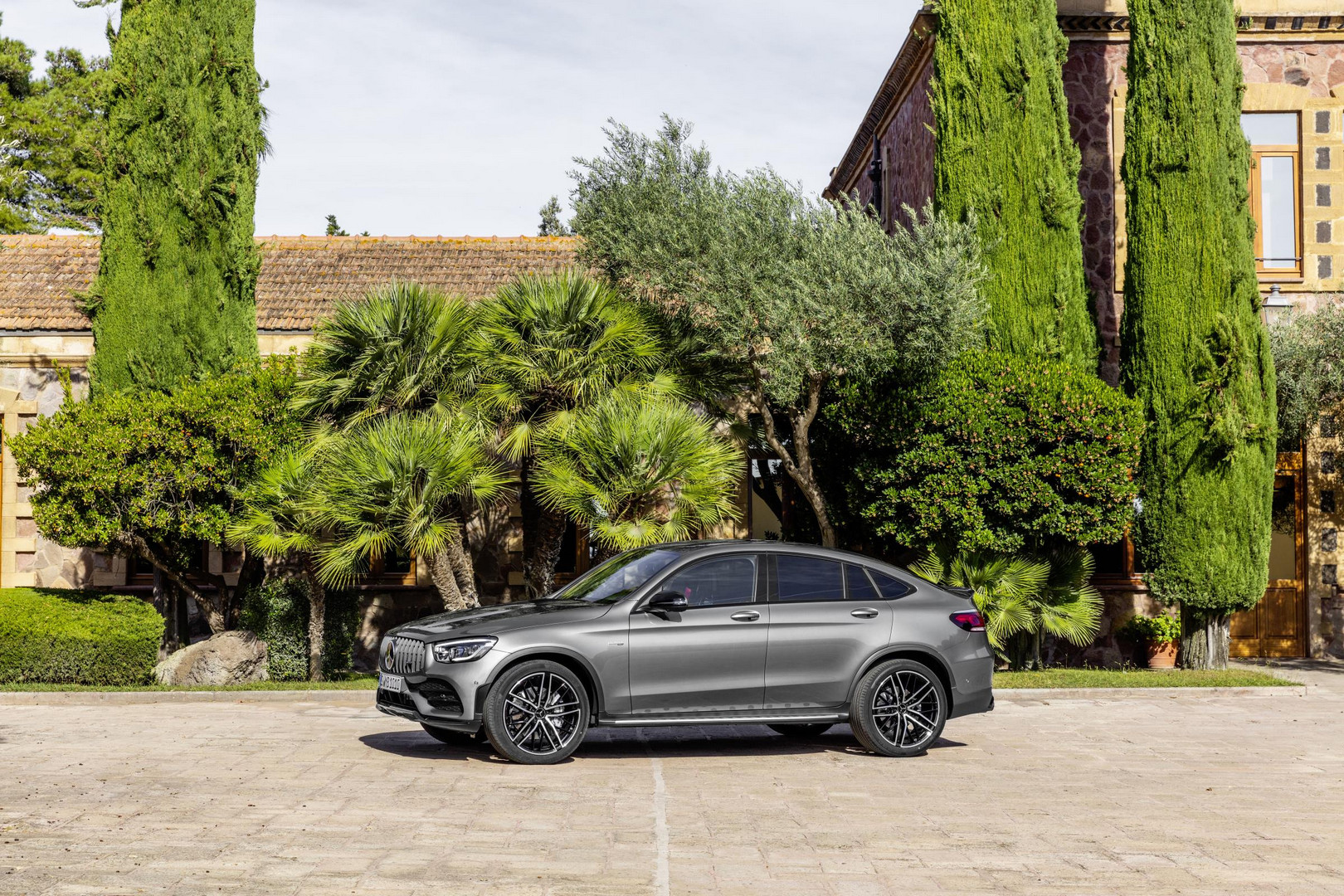 Mercedes-AMG GLC 43 Coupe Side View