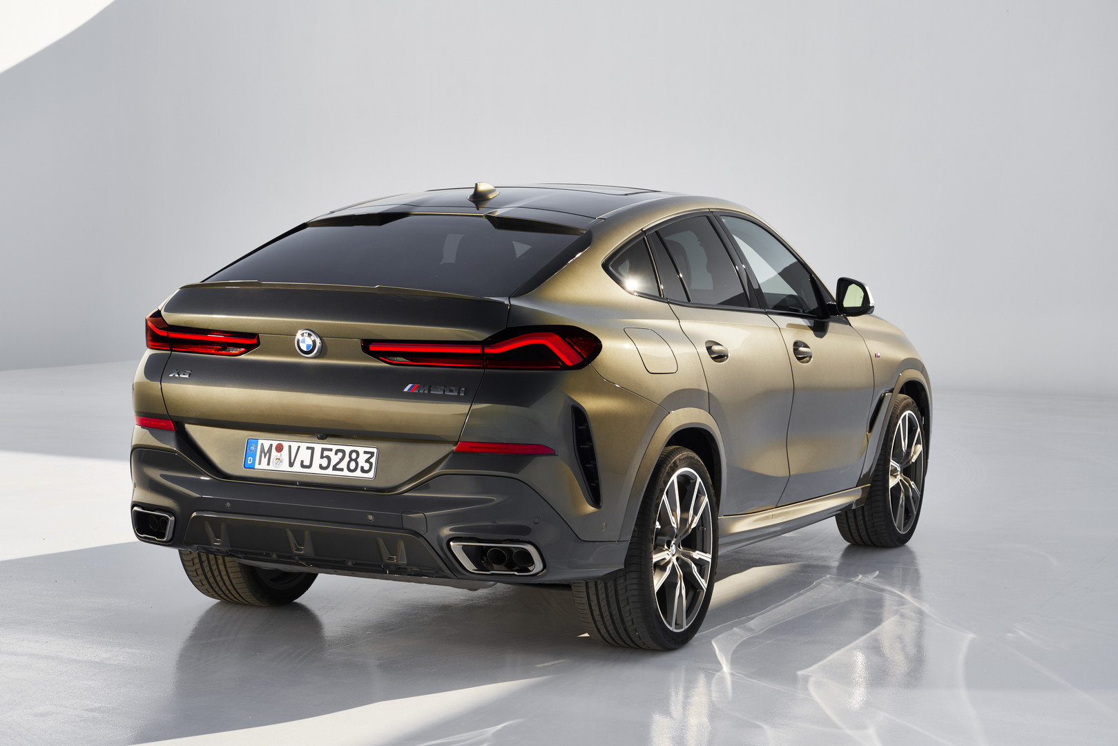 2020 BMW X6 M50i Rear Lights