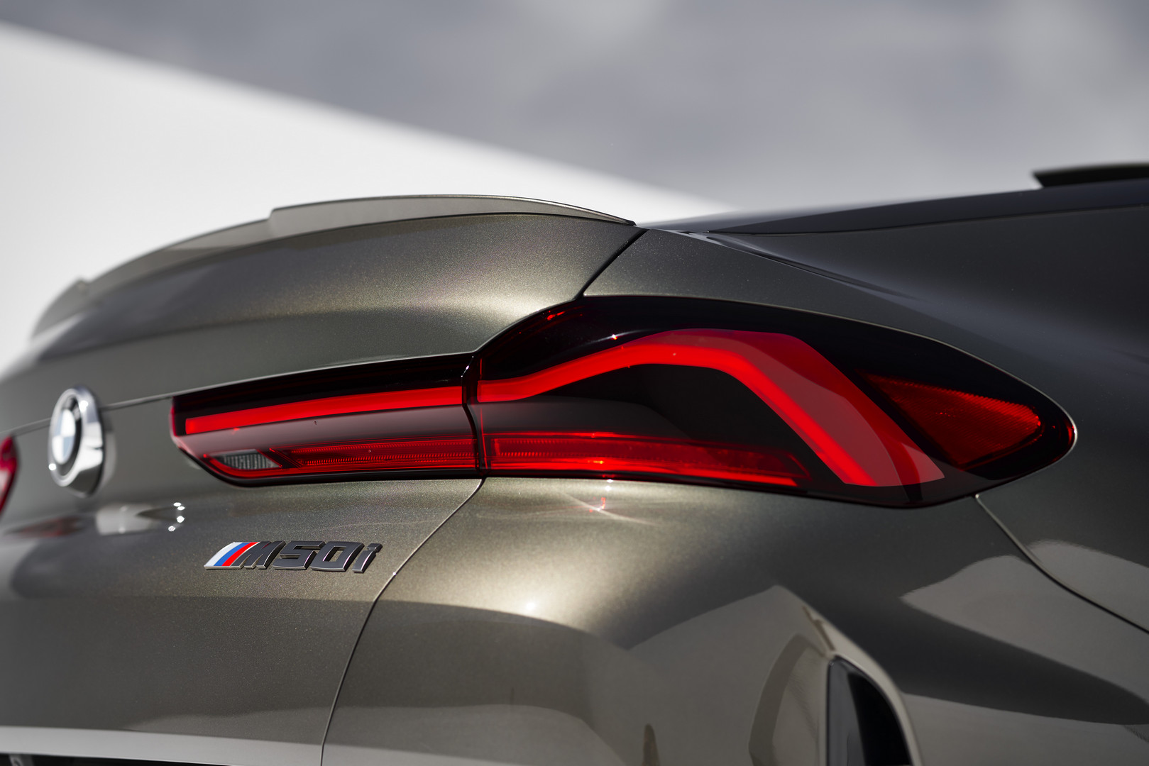 BMW X6 M50i Badge