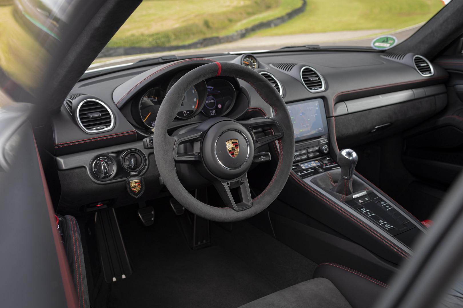 Porsche 718 Cayman GT4 Interior