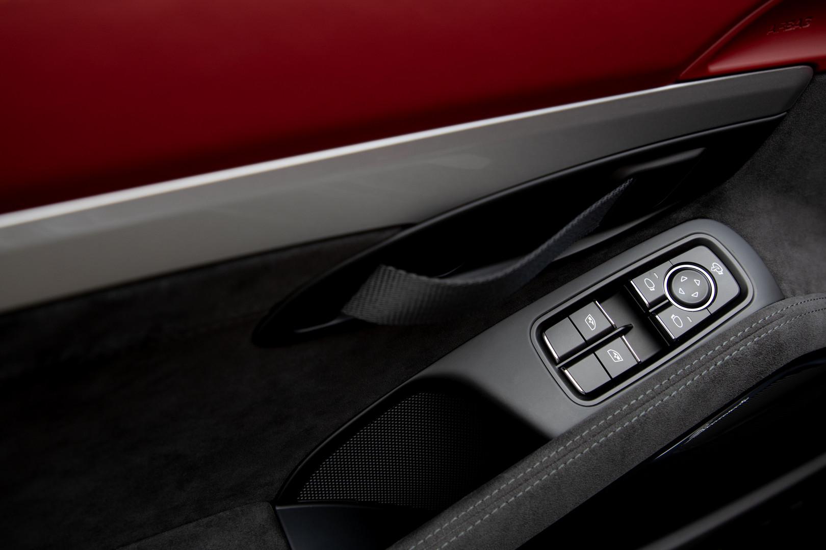 Porsche 718 Spyder Window Buttons