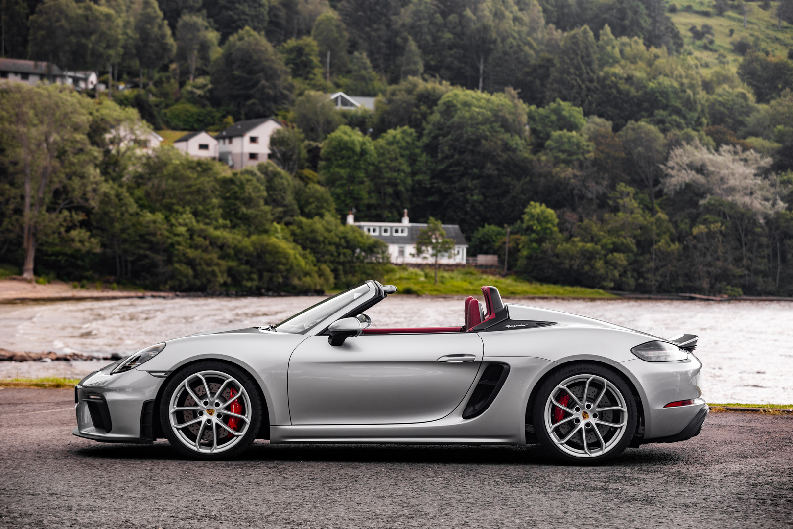 Porsche 718 Spyder Side View