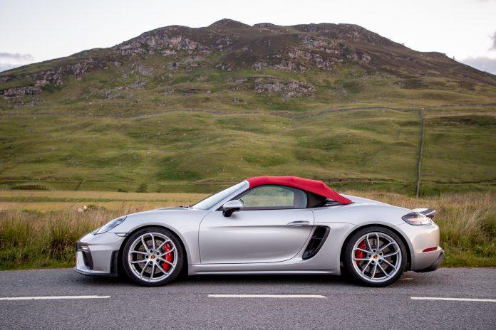 Porsche 718 Spyder Top Up