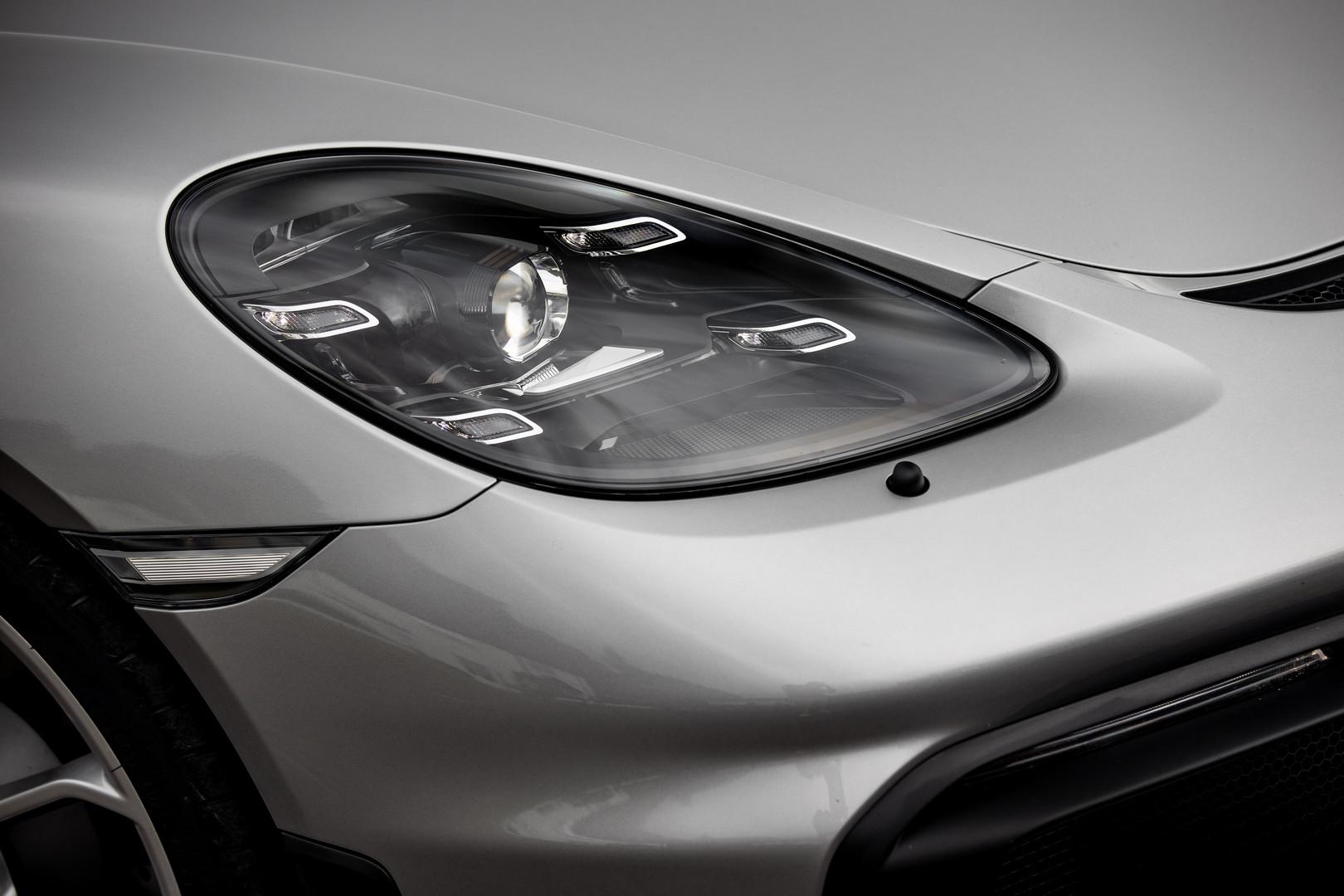 Porsche 718 Spyder Headlight