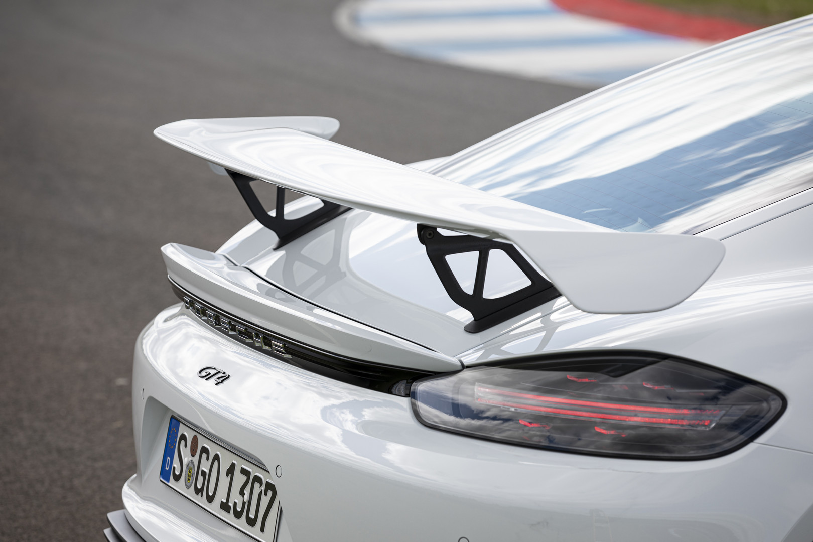Porsche Cayman GT4 Rear Wing