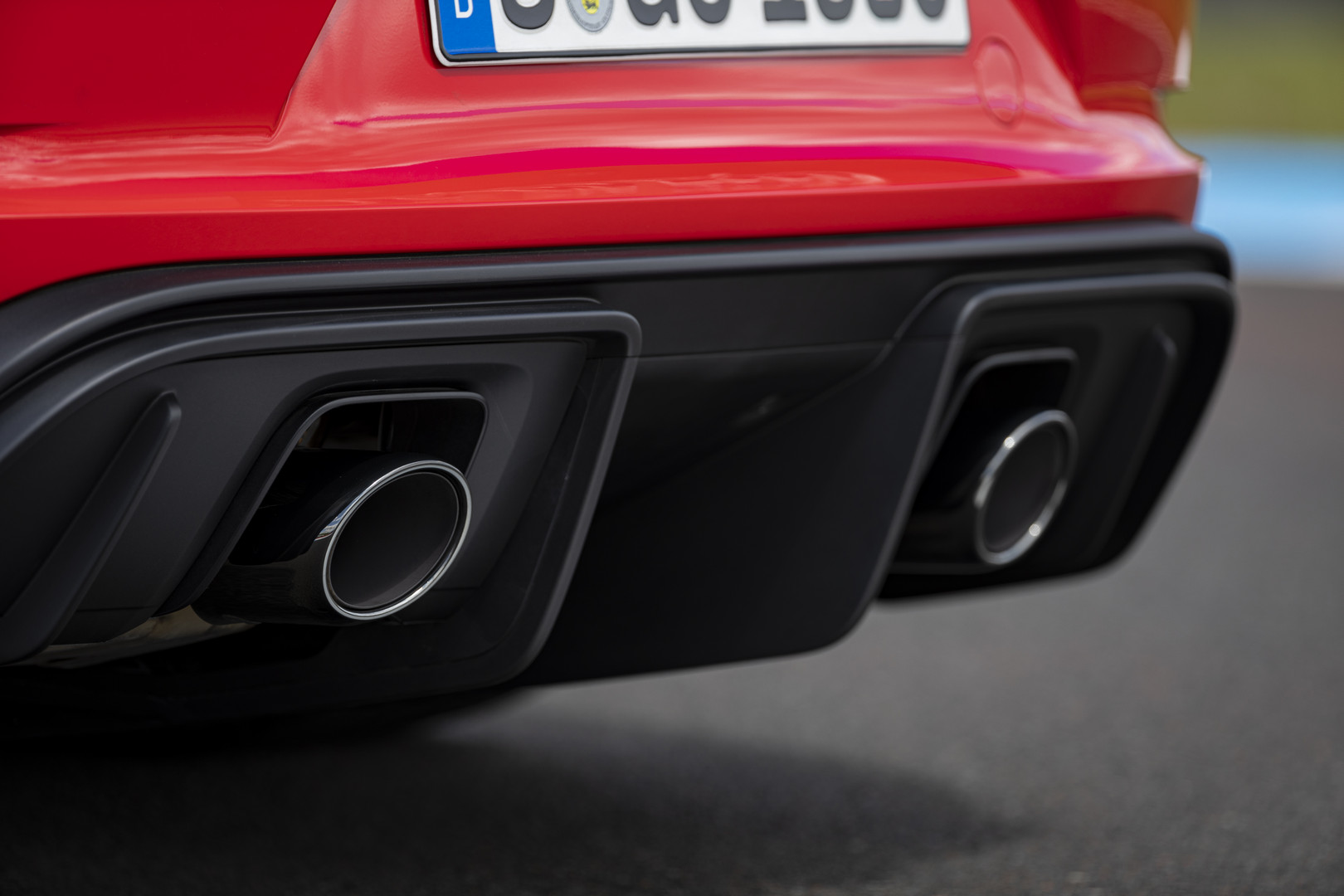 Porsche 718 Cayman GT4 Exhaust Pipes
