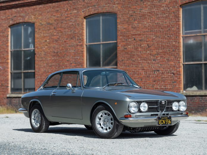 1969 Alfa Romeo 1750 GT Veloce by Bertone For Sale