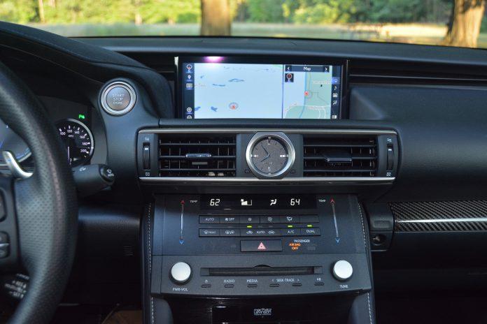 2019 Lexus RC F Screens