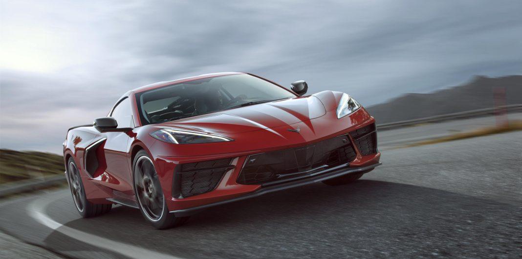2020-Chevrolet-Corvette-Stingray-007