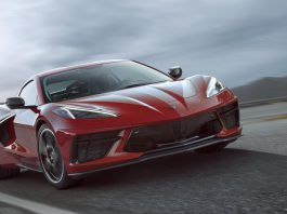 2020-Chevrolet-Corvette-Stingray-007