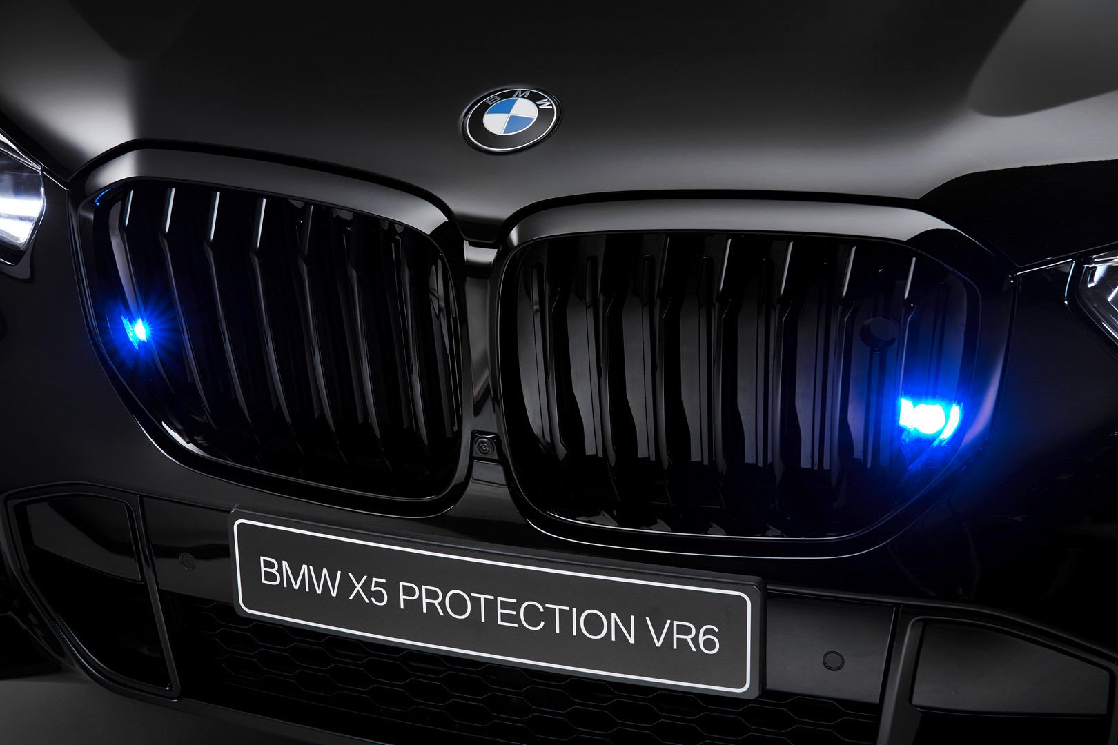 BMW X5 Grille Sirens