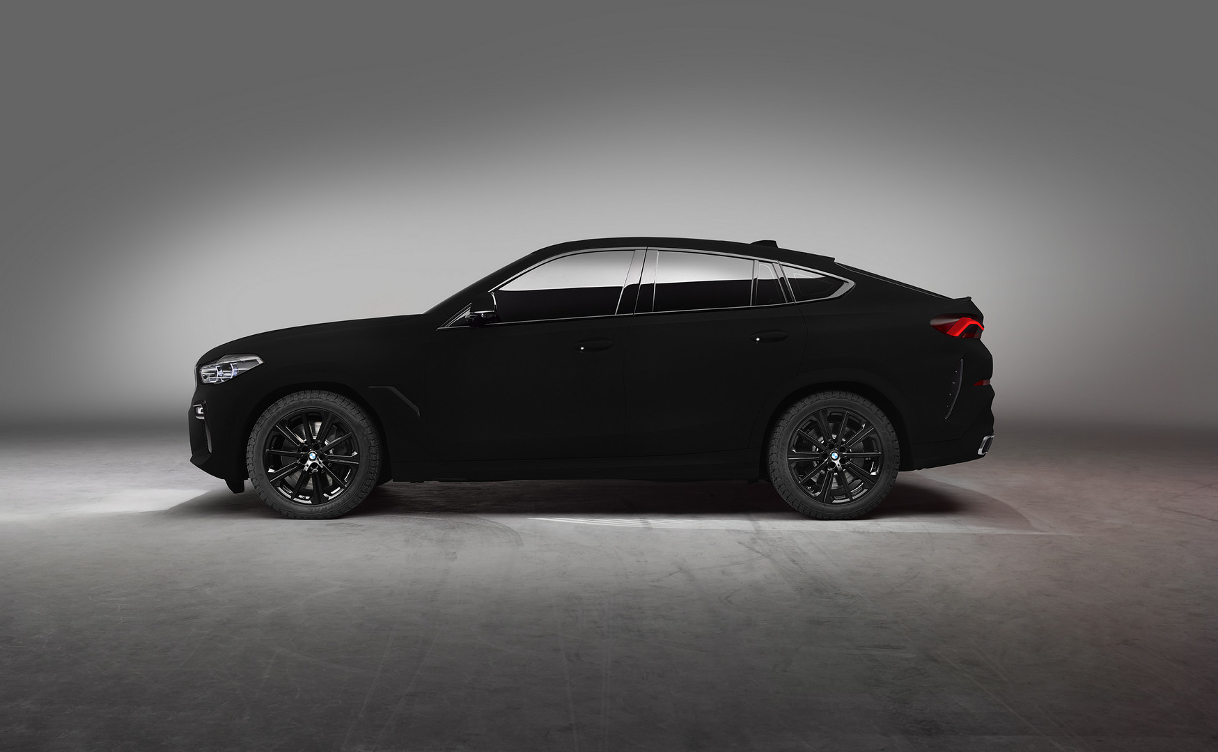 bmw x6 painted in vantablack blackest black paint in the. Black Bedroom Furniture Sets. Home Design Ideas