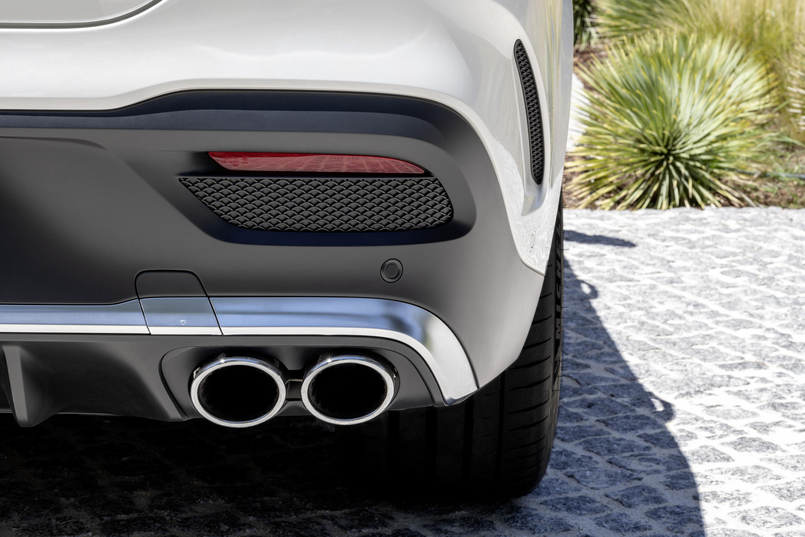 Mercedes-AMG GLE 53 Coupe Exhaust Pipes