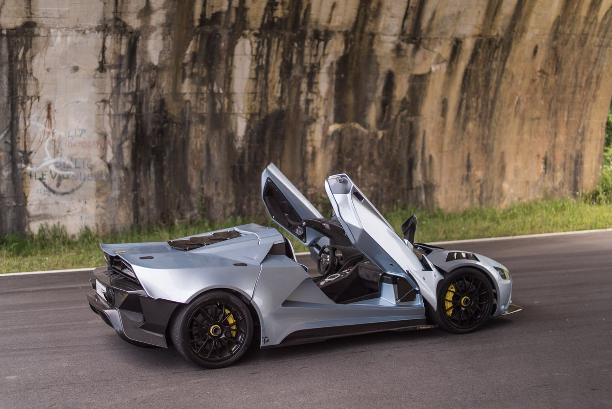 Tushek TS 900 Apex Doors Up