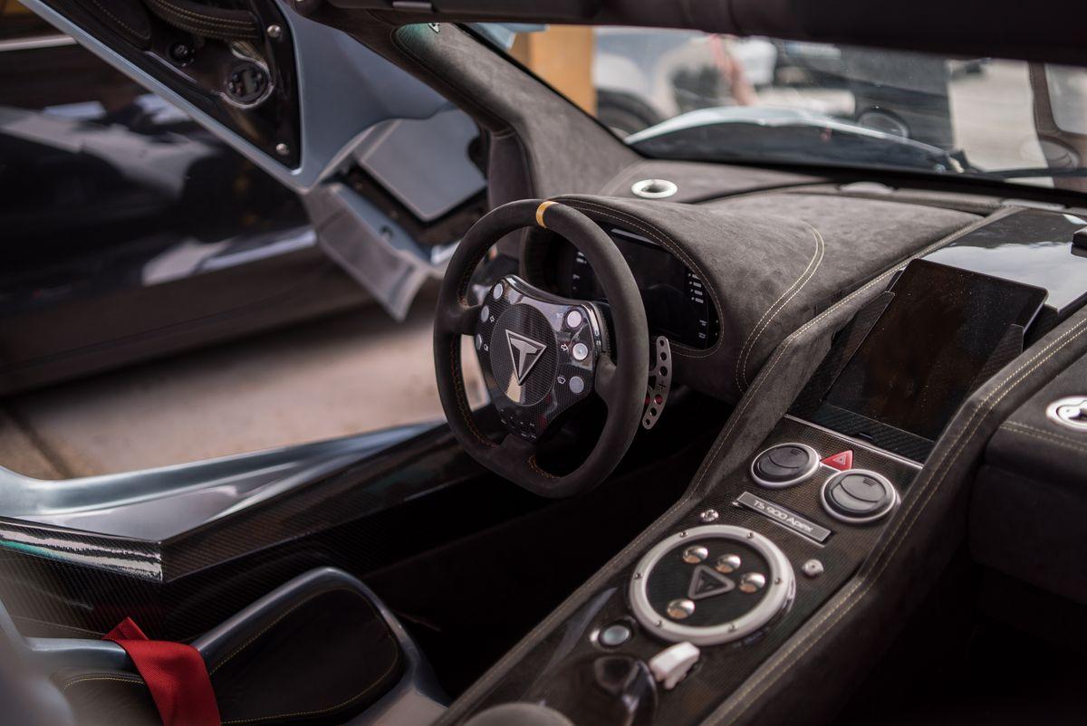 Tushek TS 900 Apex Interior