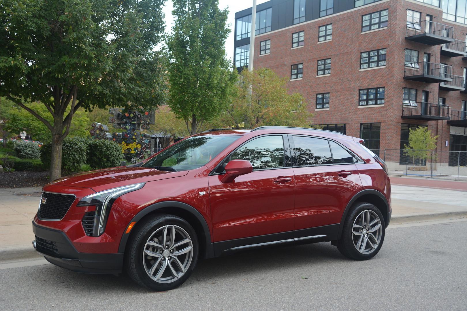2019 Cadillac XT4 Red