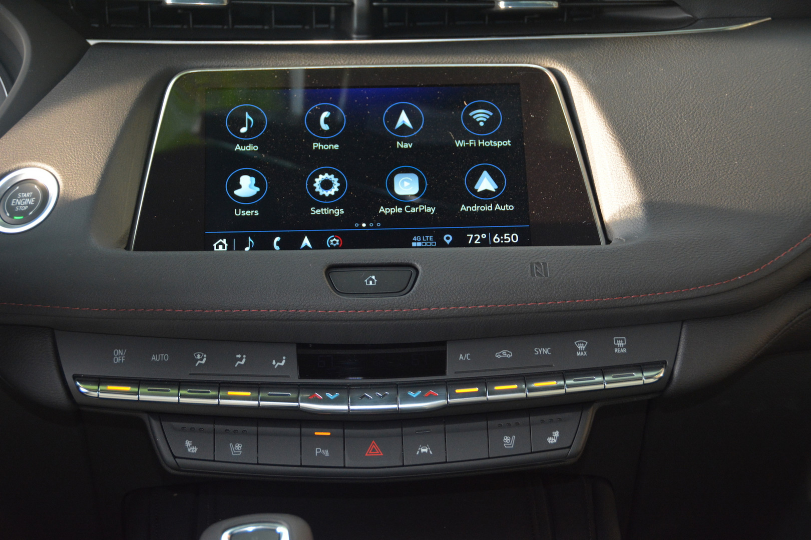 2019 Cadillac XT4 Screen