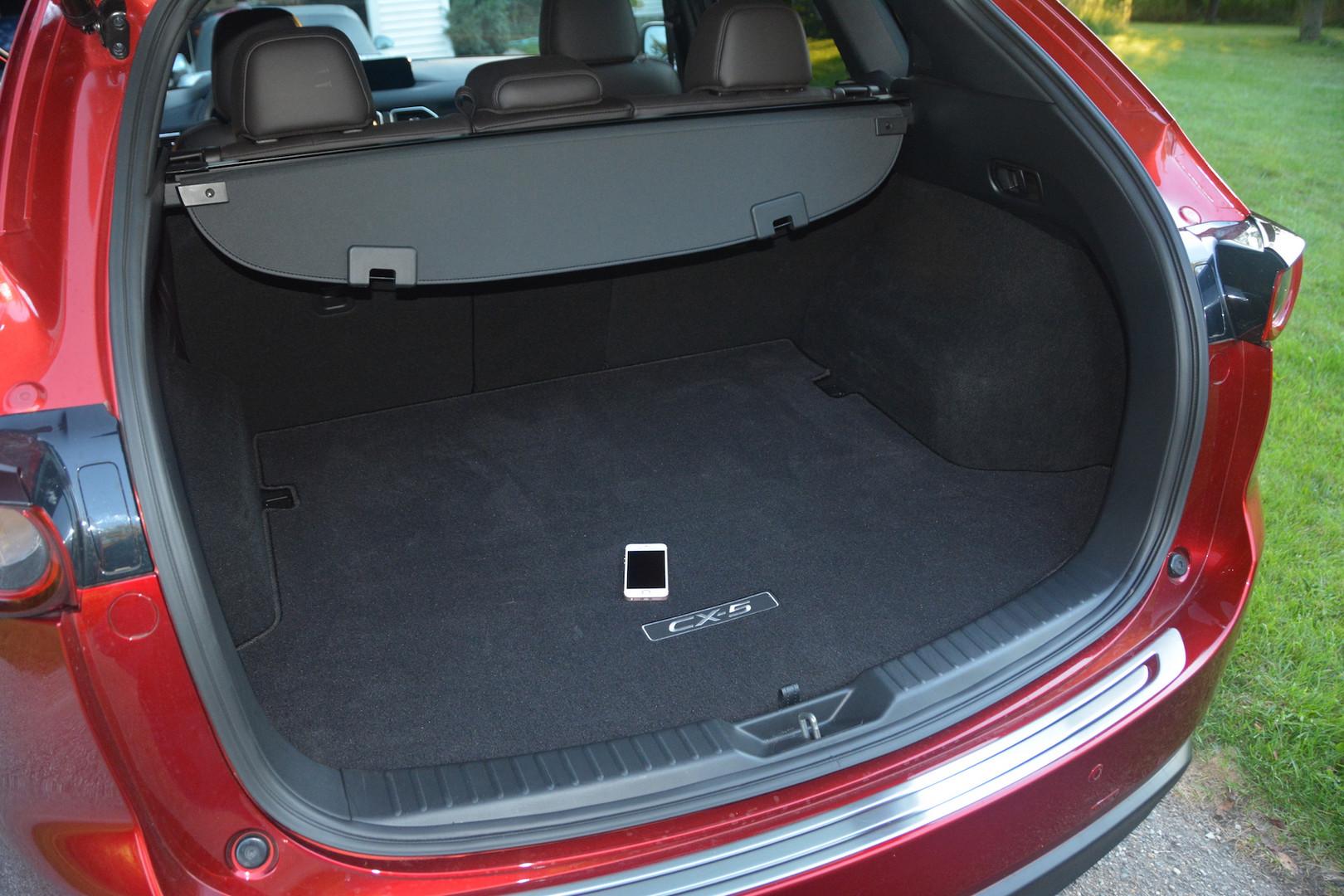 2019 Mazda CX5 Trunk