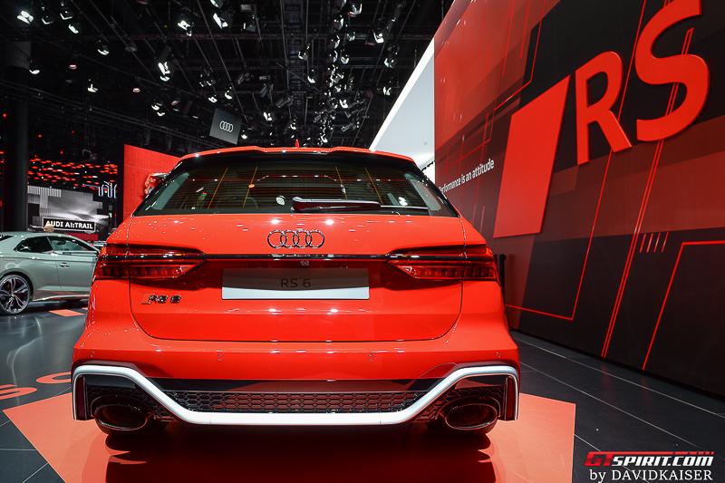 2020 Audi RS6 Avant Rear