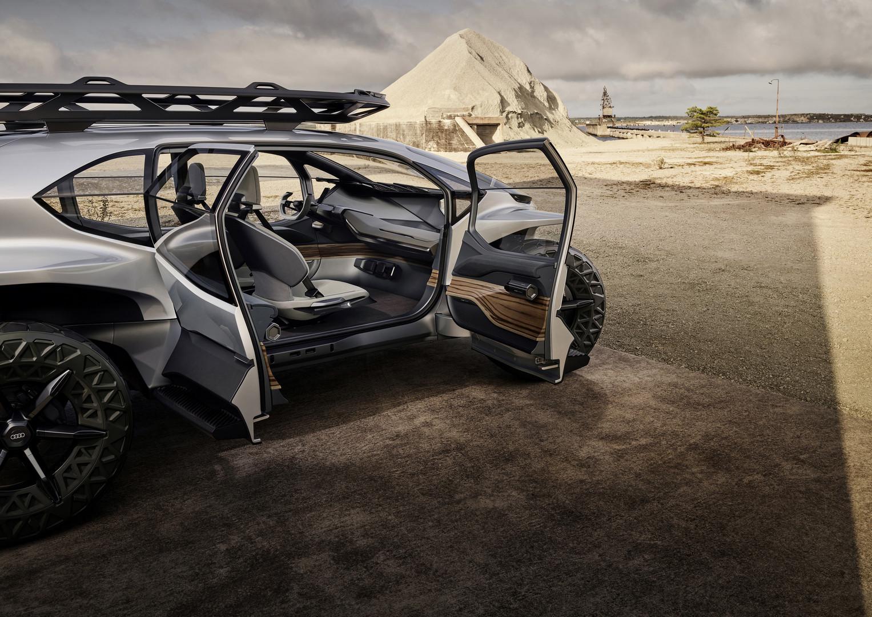 Audi AI:TRAIL quattro Doors