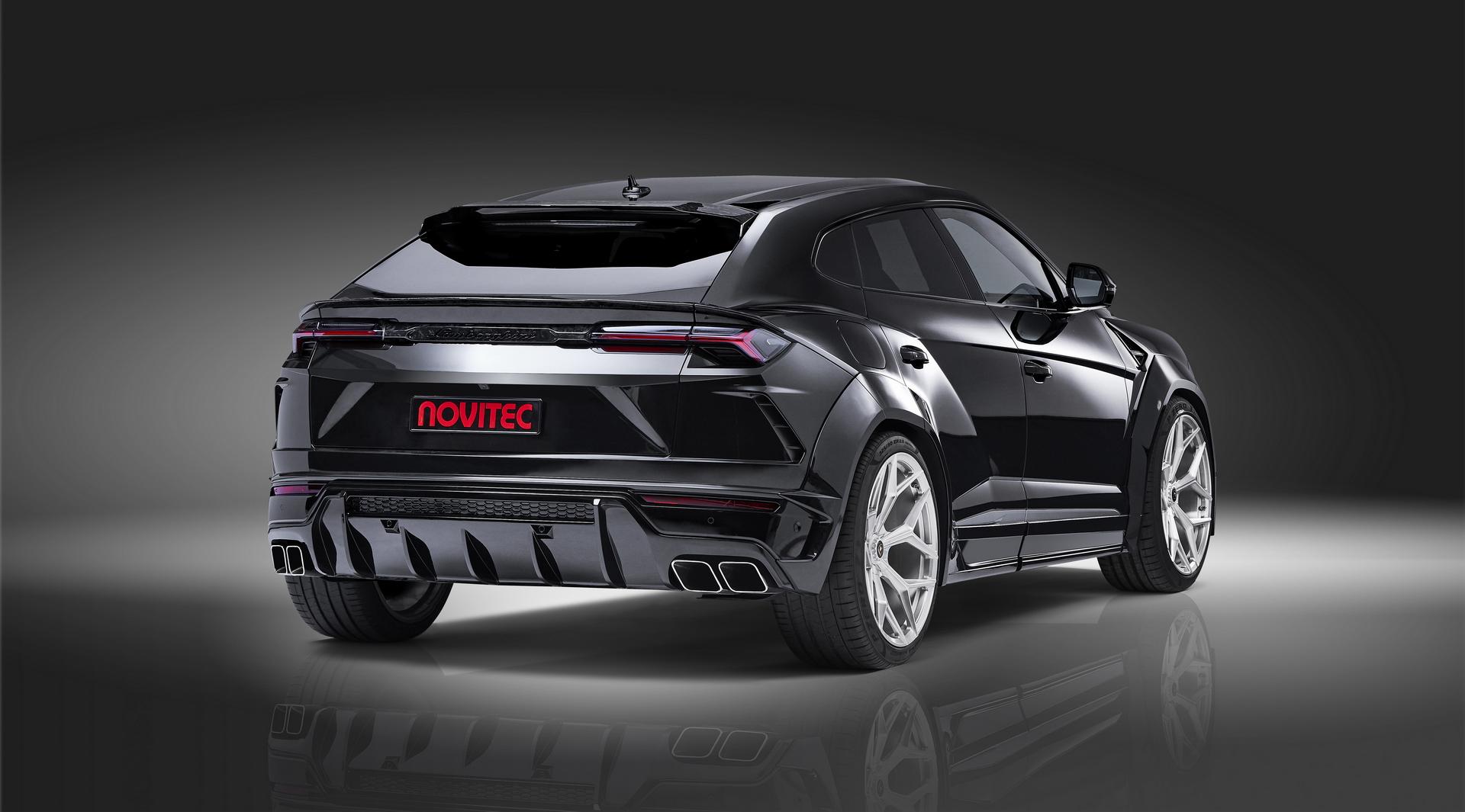 Black Lamborghini Urus