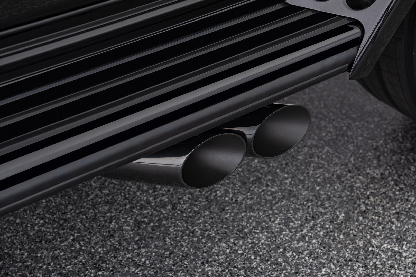 Brabus V12 900 Exhaust Pipes