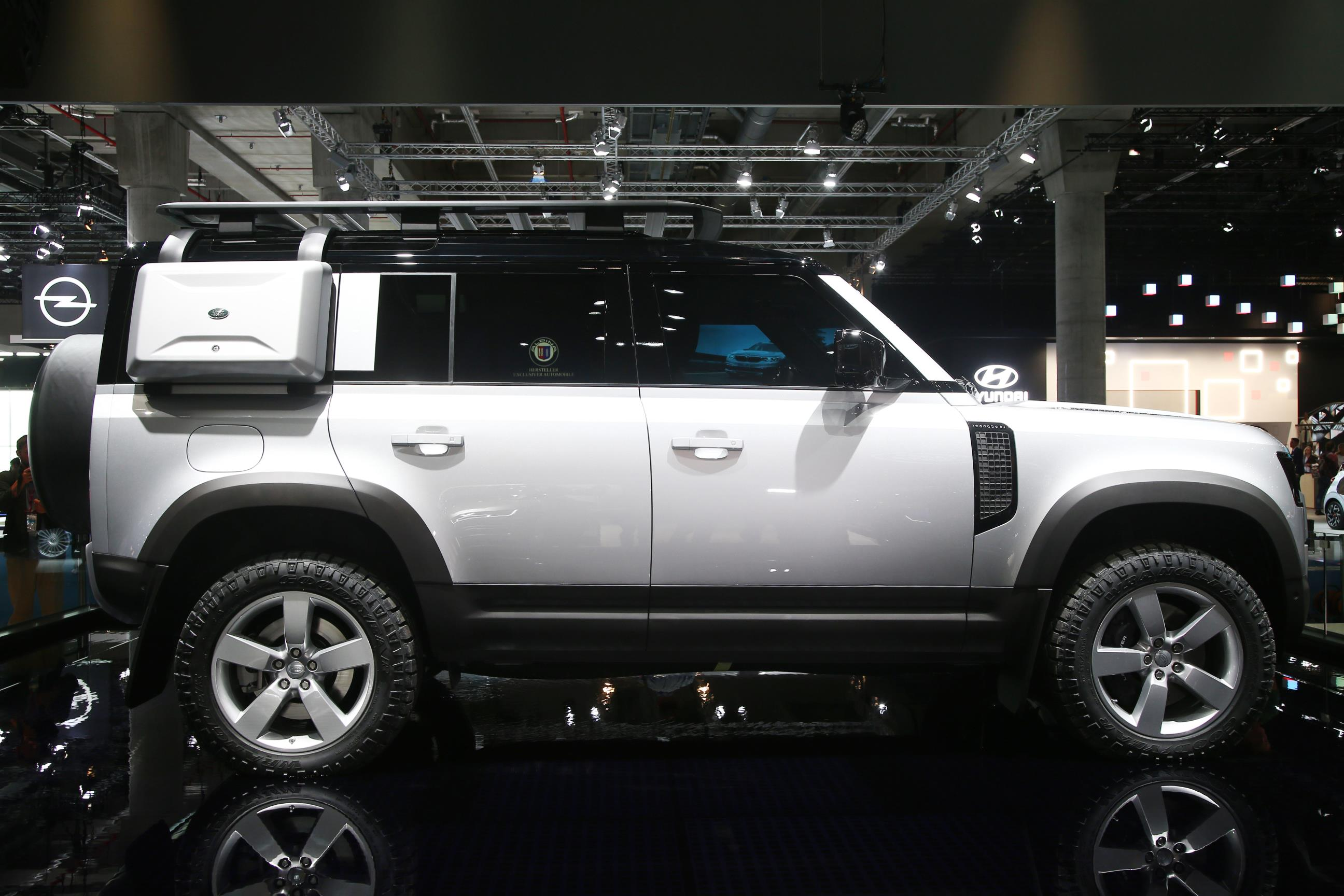 2020 Land Rover Defender 110 Side View